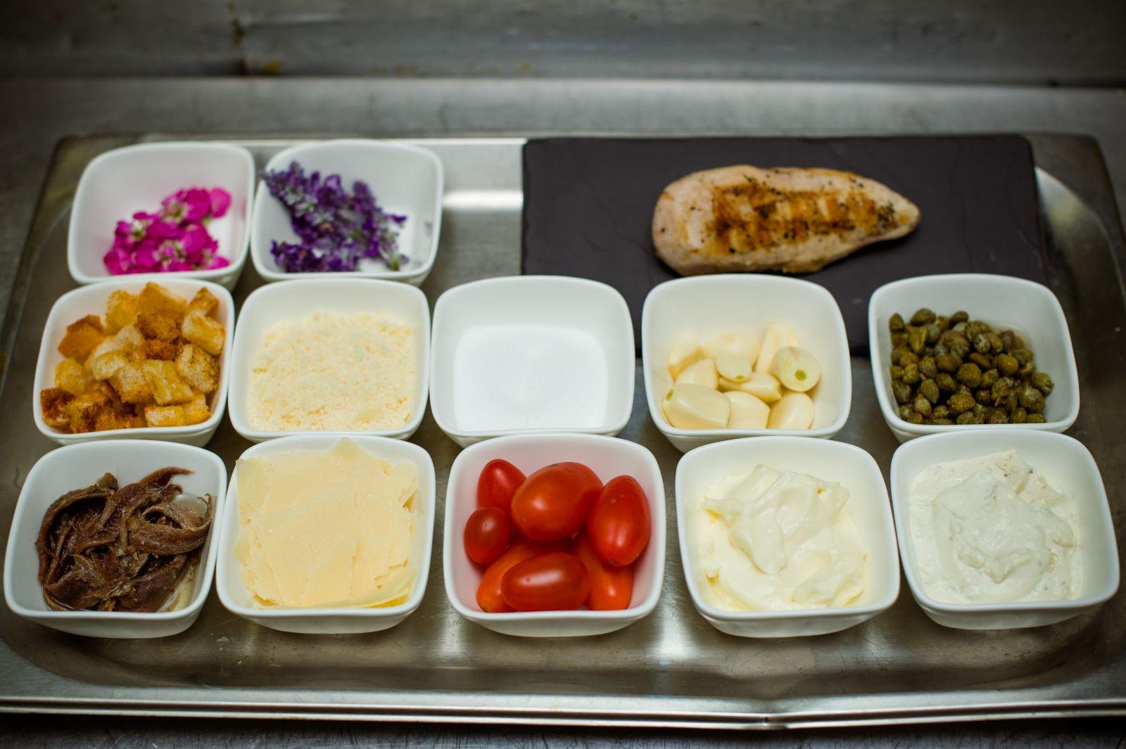 салат цезарь. рецепт от шеф повара