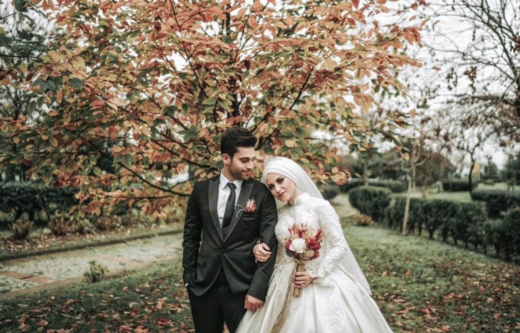 Wedding traditions strange 10 Strange