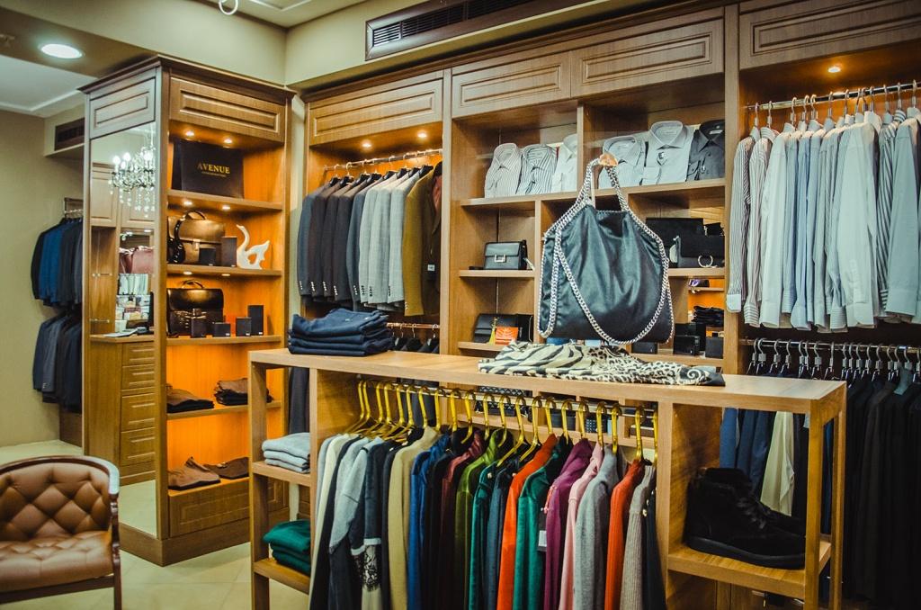 8ce566bb6 в интернет-магазине Lamoda.kz скидки до 60% на мужскую, женскую и детскую  одежду, обувь и аксессуары. Все товары со скидкой можно посмотреть здесь