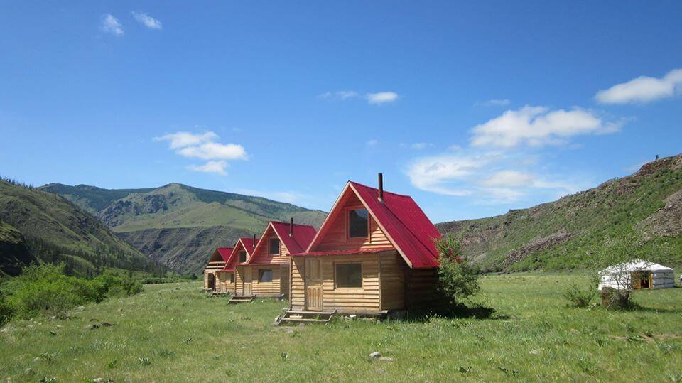 Uruumiin Gol Ecotour Camp.jpg