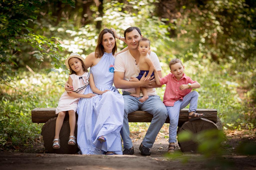 family(3).jpeg