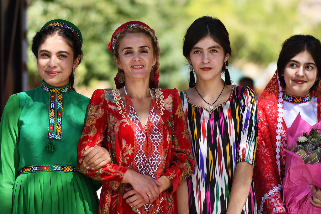 Таджикское поздравление на свадьбу делала