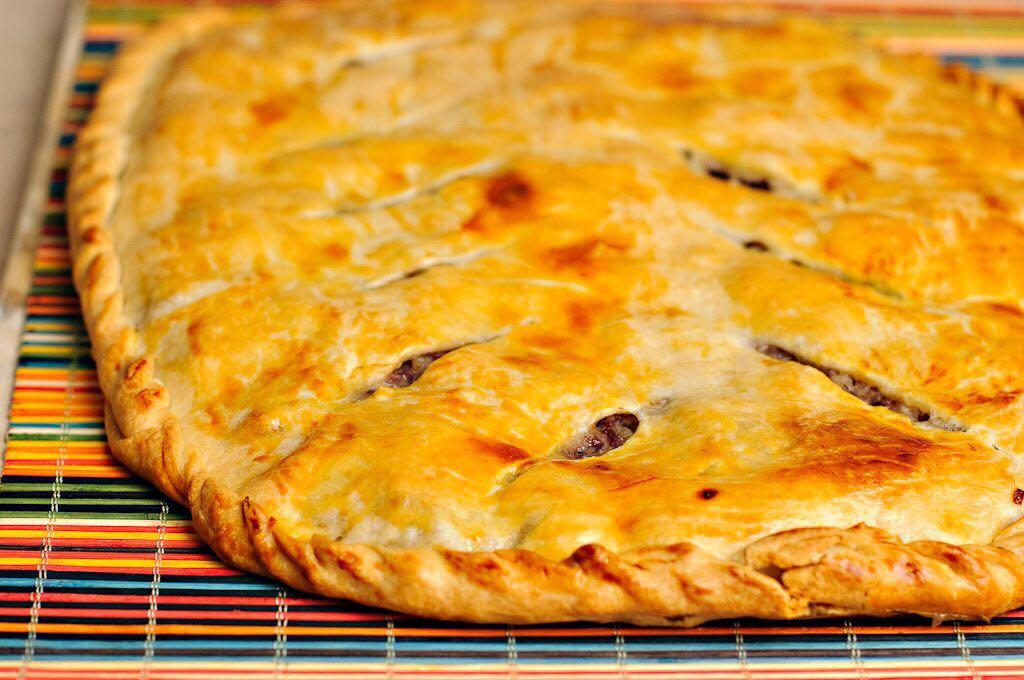 Рецепт мясного пирога с фаршем с пошагово