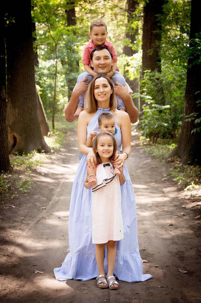 family(4).jpeg