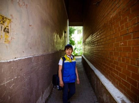 a-walk-with-a-postman-unknown-places-in-astana