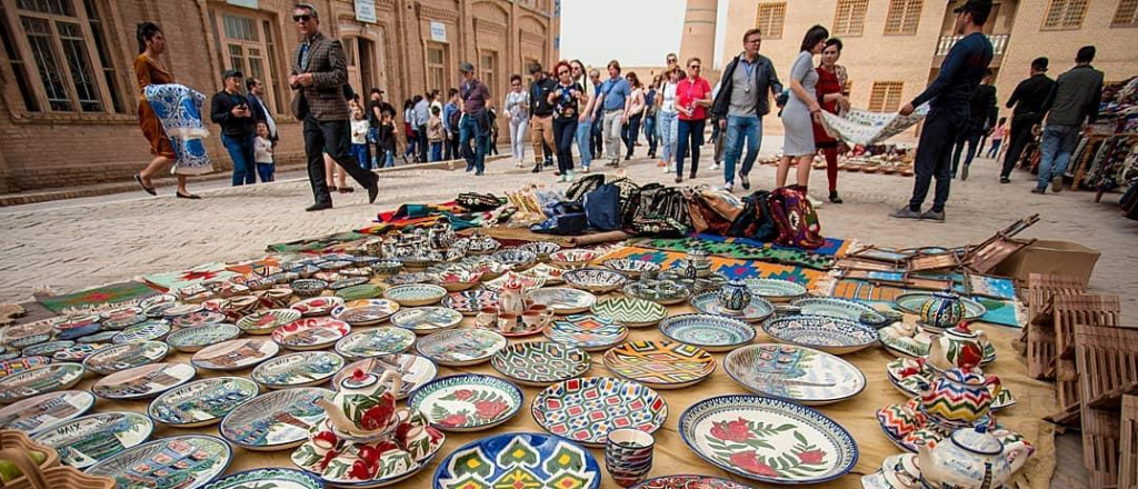 what-to-bring-to-foreign-friends-from-uzbekistan-top-8-gifts
