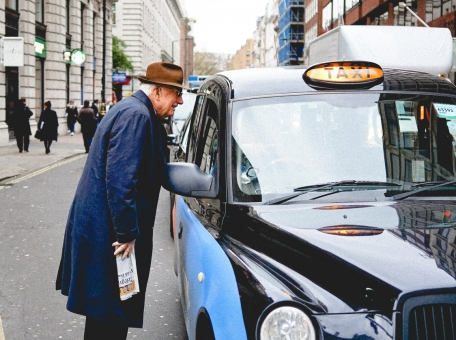 taxi-drivers-in-britain-about-why-it-is-not-easy-to-become-a-driver-in-black-cab-taxi