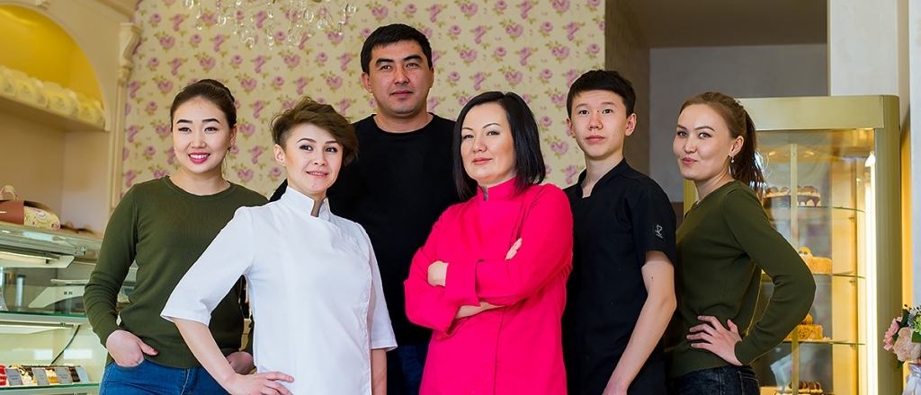 family-business-in-shymkent-luxury-confectionery-apple-orchard-and-ornamental-birds