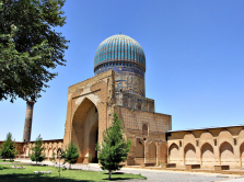 7-incredibly-beautiful-mosques-in-central-asia